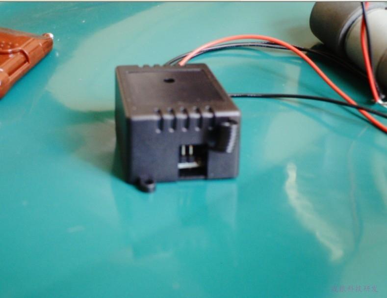 12伏电机正反转遥控开关zl-dj-12sm实物接线图